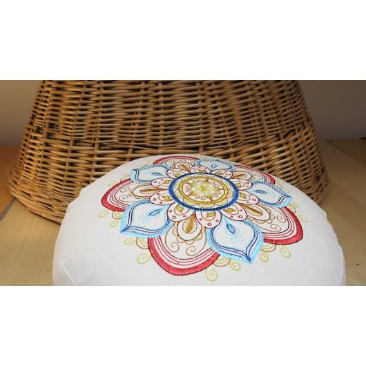 zafu - pohankový sedák - meditační polštář režný s vyšívanou mandalou blankytná-čevená 30cm