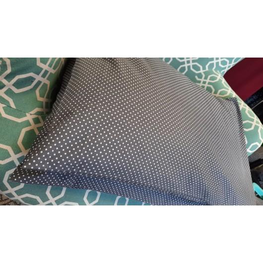 Pohankový polštář 40 x 30cm šedý s puntíky